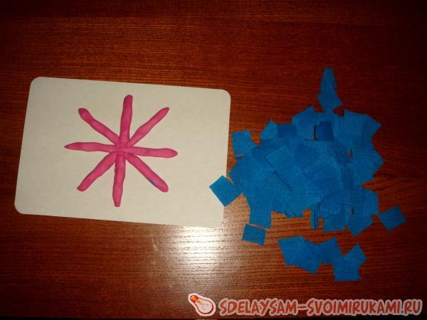 Снежинка из гофрированной бумаги