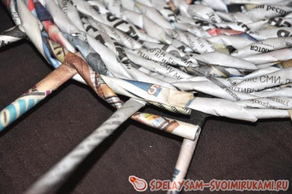 шкатулку из газетных трубочек