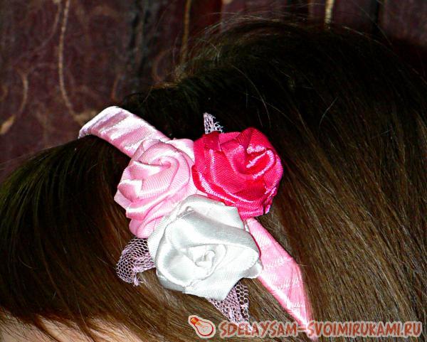 Причёски для треугольного лица на средние волосы 23