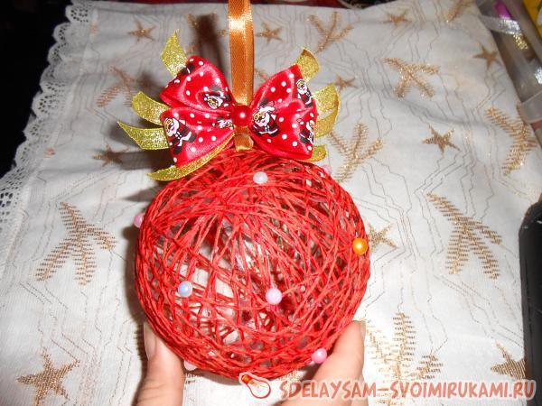 Как сделать шары на елку своими руками