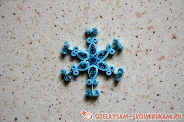 Открытка квиллинг Снежинка