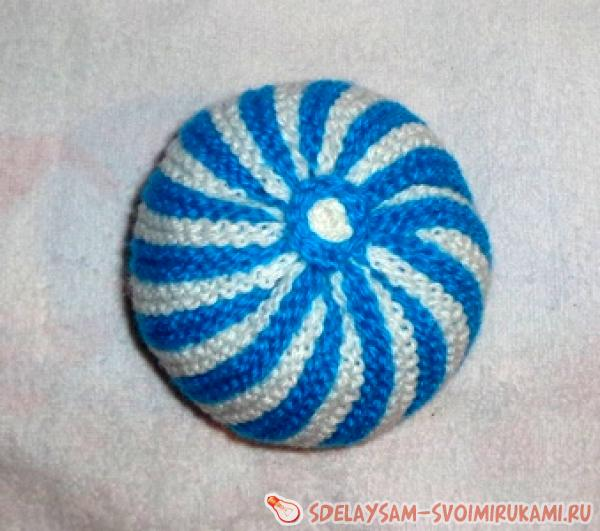Striped rattle ball