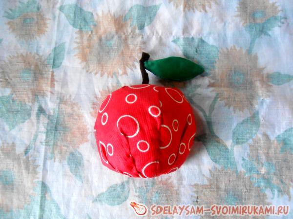 We sheathe the apple