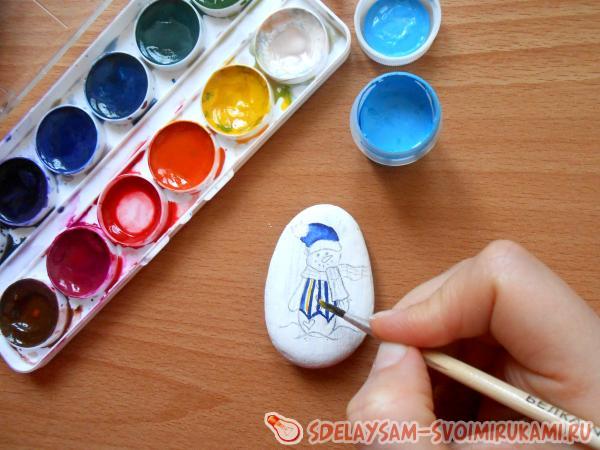 разрисовываем камень красками