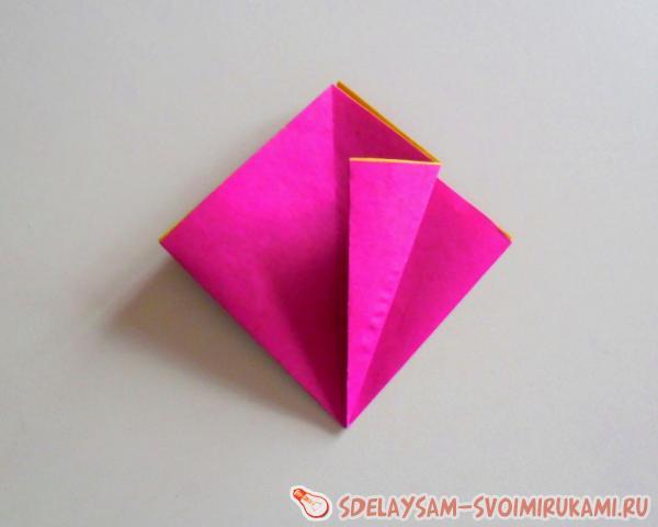 гвоздика из цветной бумаги