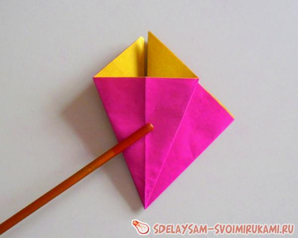 colored paper clove