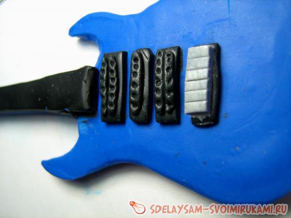 электрогитара из полимерной глины