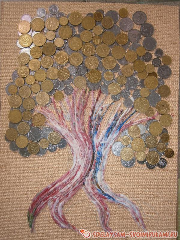 приклеивайте монеты