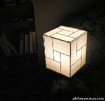 Простой дизайнерский светильник