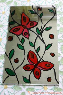 Яркие бабочки: идея декорирования зеркала или стекла