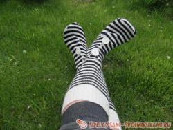 Переделка старого свитера в носки
