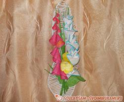 Цветочное панно «Гладиолус с наперстянкой»
