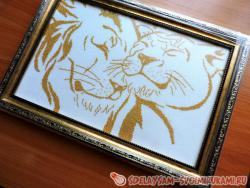 Embroider a pair of gold lions