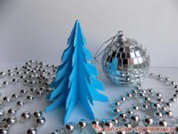 Голубая елочка из бумаги