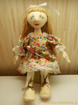Как сшить текстильную куклу поэтапно