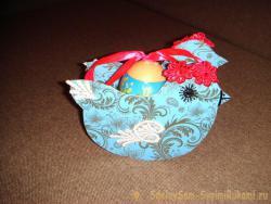 Подставка под пасхальные яйца «Курочка»
