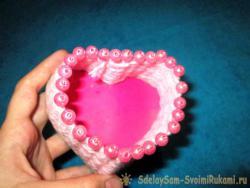 Корзинка «Сердечко» из ниток и зубочисток
