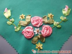 Napkin with embroidered roses