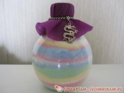 Декорирование бутылочки цветной солью