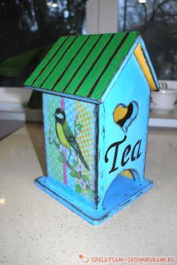 «Чайный домик» в технике декупаж