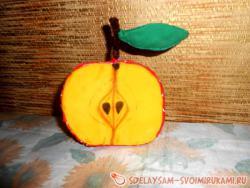 Игольница – половинка яблока