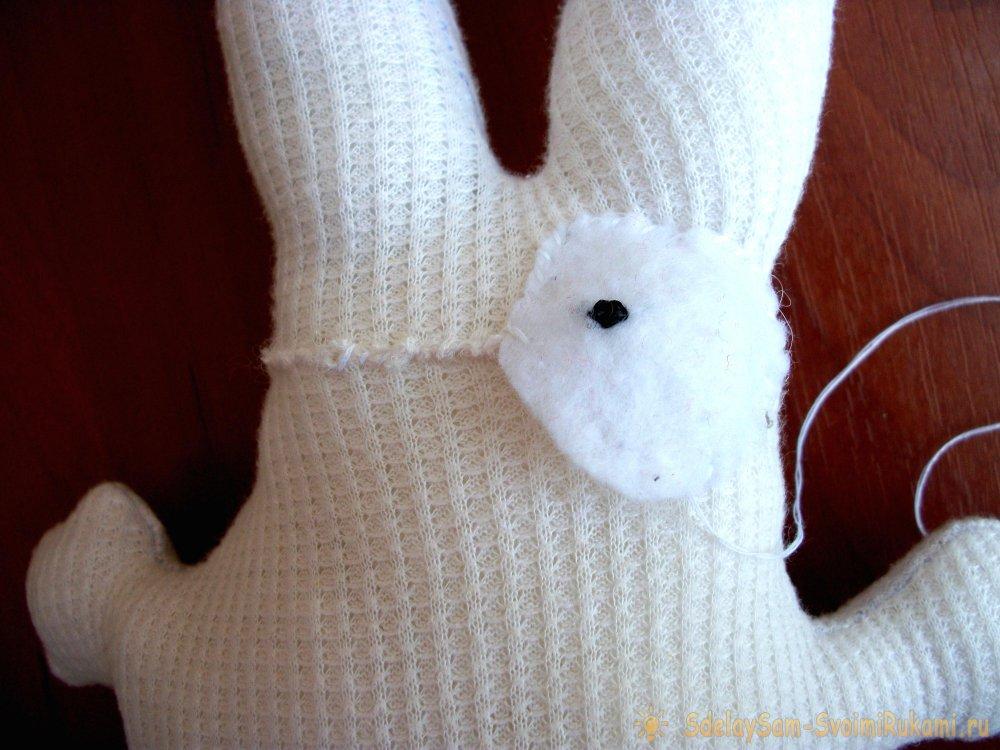 Как сшить маленького зайчика своими руками