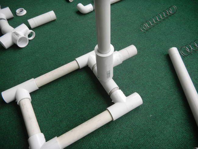 Drilling machine of plastic pipes