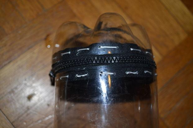 Контейнер футляр термос из пластиковой бутылки