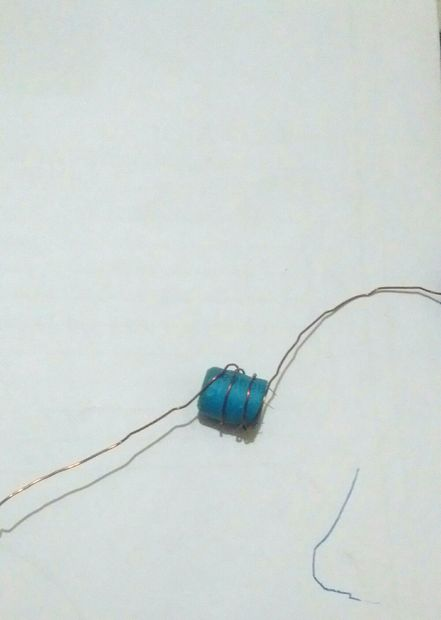 LED power supply from a 1.5 volt battery