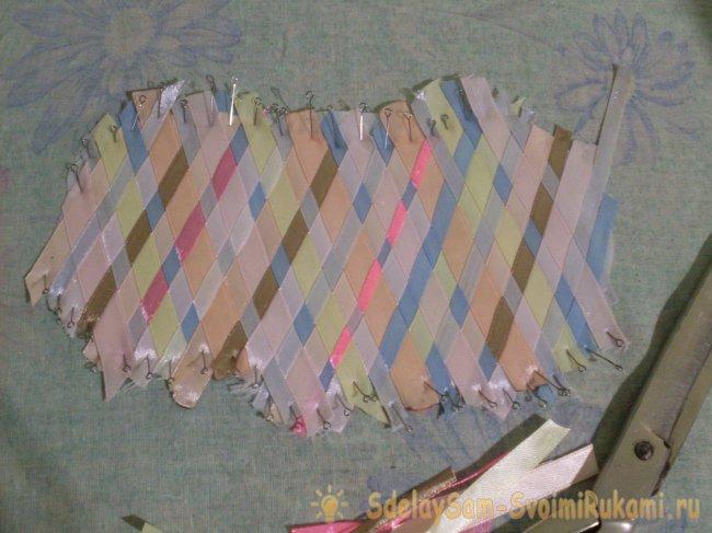 We sew a sleep mask using satin ribbons