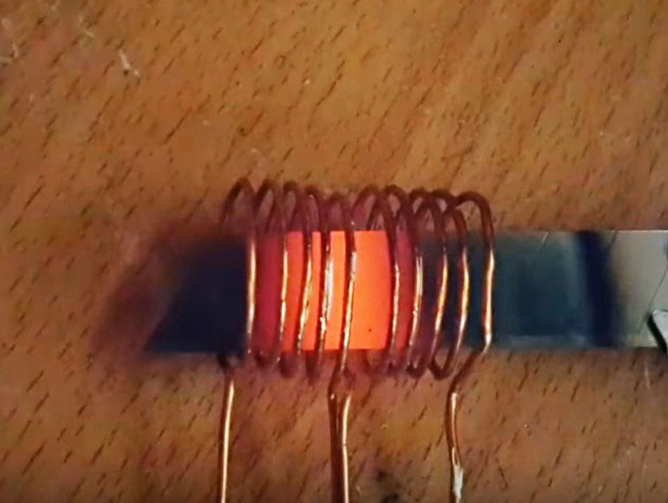 Простой индукционный нагреватель 12 В