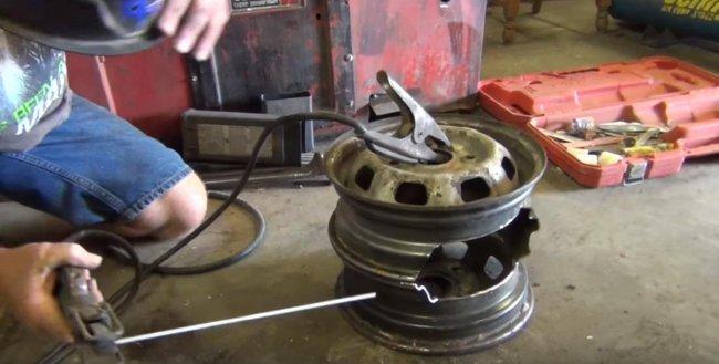Гриль барбекю из автомобильных дисков