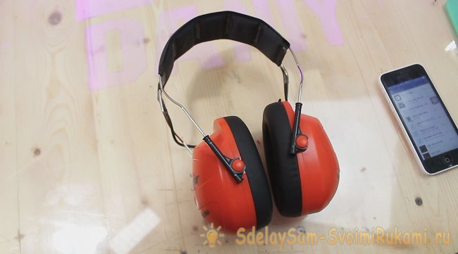 Bluetooth headset speakers