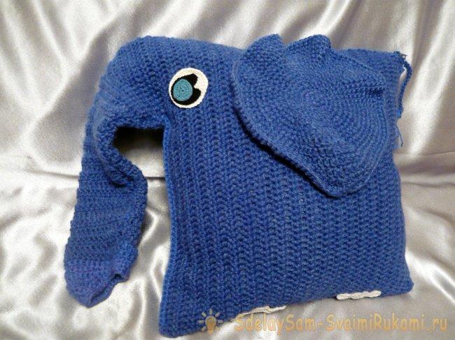 Счастливый слоник – диванная подушка