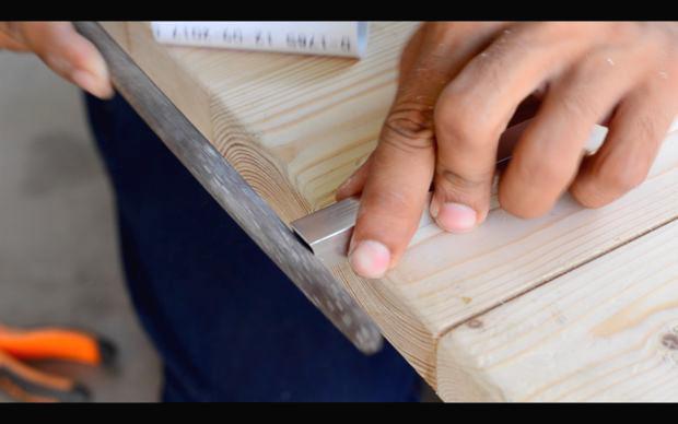 Portable miter saw