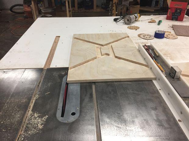 Стол и лавка из цельной доски