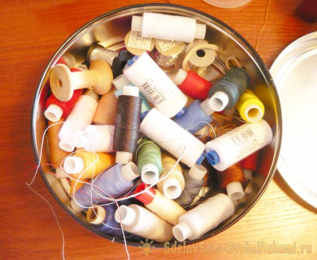 Organizer for thread spools