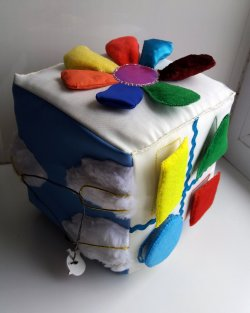 How to sew a developing cube for a baby