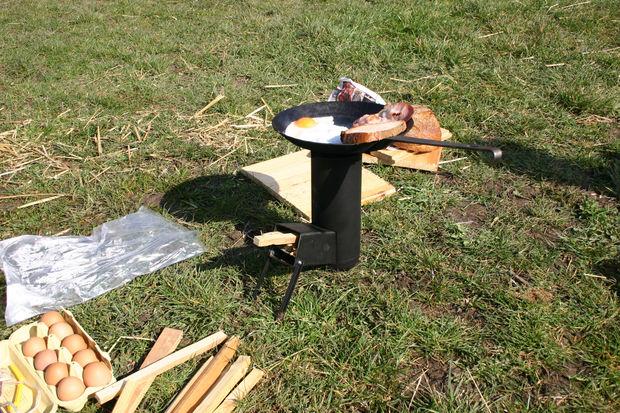 Походная печь ракетного типа