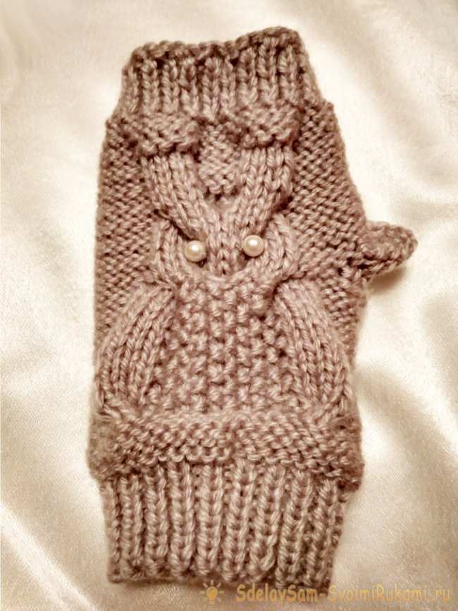 How to tie mittens with owl pattern