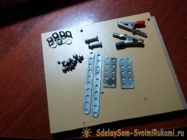 Simple third soldering hand