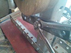 Low-cost belt grinder