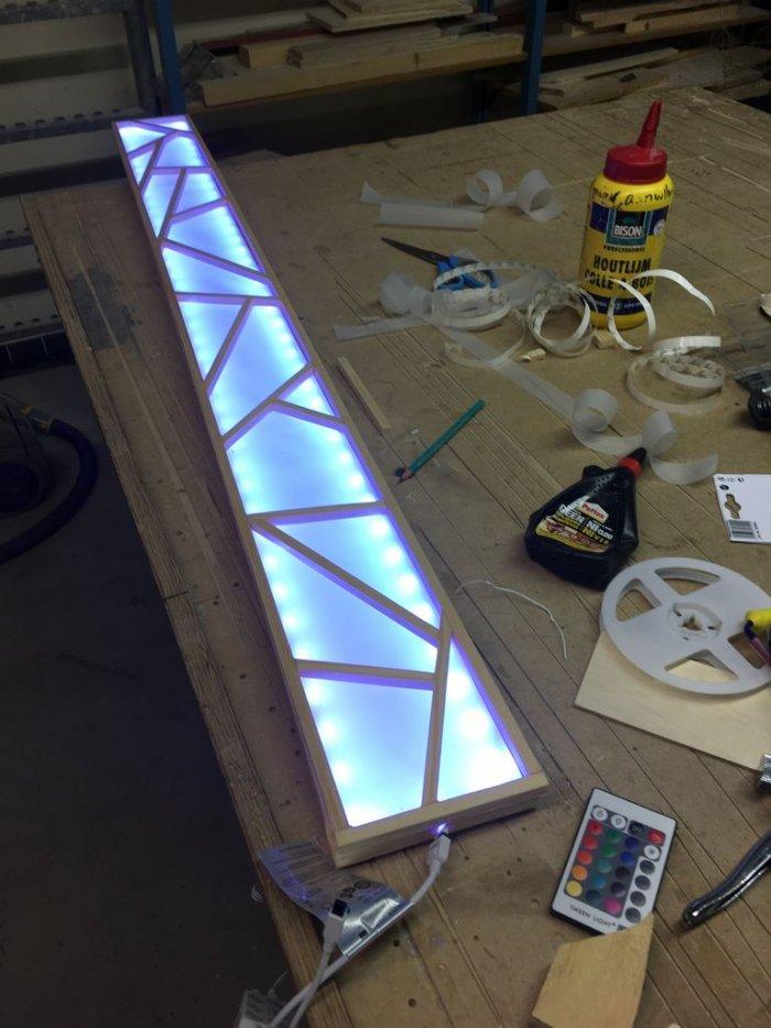 Потолочный светильник с узором