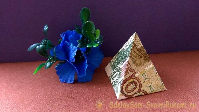 Как сделать оригами пирамиду из денег своими руками