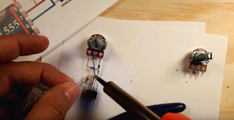 Simple PWM controller on NE555