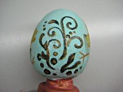 Пасхальный сувенир из гипса «Яйцо на подставке»