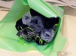 Подарок для мужчин – букет из носков