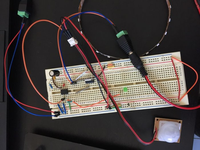 Automatic LED lighting with motion sensor