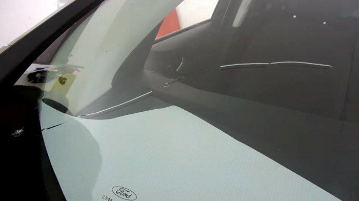 1523356882 8 - Убираем трещину на лобовом стекле