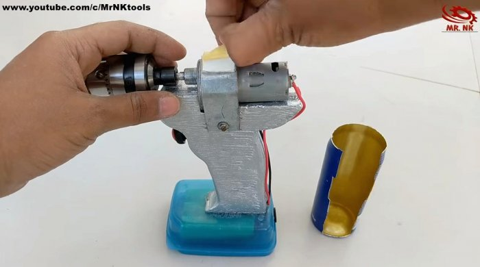 How to make a screwdriver from scrap parts